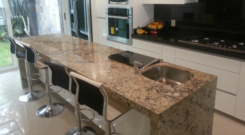 Cocina marmoleria de stefano for Barra de granito para cocina precio